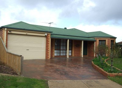 Adjacent to Bush Reserve offer Residential