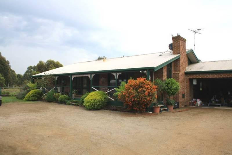 2.5 Acres ~ Farm Living Picture 1