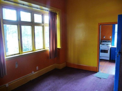 Sunny Two Bedroom Flat Picture