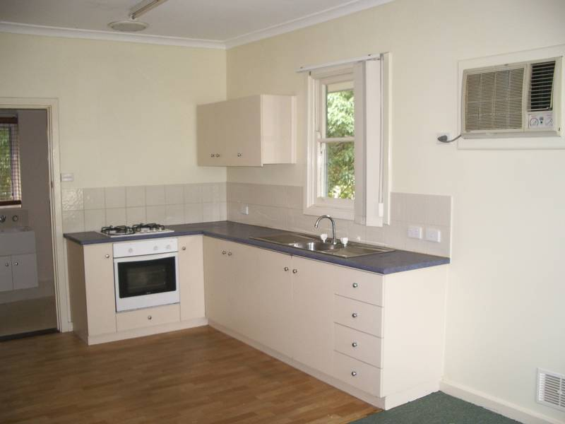 THE BEST IN BALGA!! ** 1 WEEK'S FREE RENT ** Picture 3