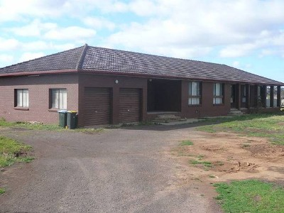 RURAL PROPERTY WITH HOUSE Picture