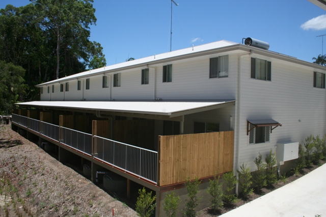 MODERN WELL DESIGNED TOWNHOUSE - ONLY 1 LEFT Picture 3
