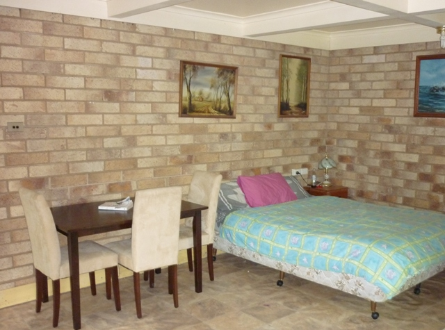 AFFORDABLE STUDIO FLAT IN THE HEART OF NAMBOUR Picture 3