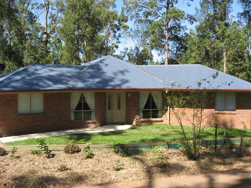 A Great Opportunity to Buy a 4 Bed Brick Home on Acreage at This Price! Picture 1