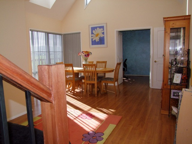 PRICED REVISED - THE ULTIMATE FAMILY HOME ON AN ACREAGE Picture 3