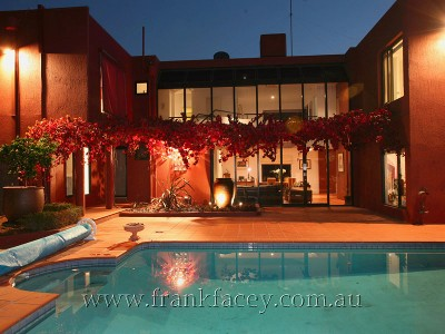 OUTSTANDING CONTEMPORARY - 1 ACRE & POOL Picture