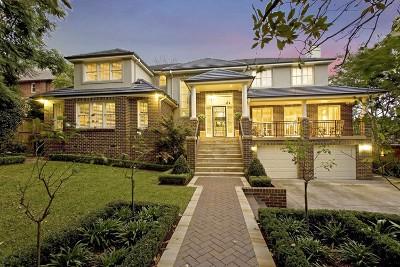 MODERN MASTERPIECE! offer Residential