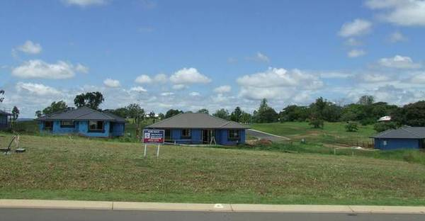 Great Buy in Gracemere Heights Picture 2