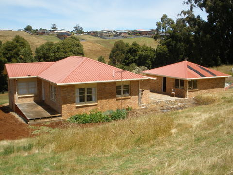 HOUSE AND 11 ACRES OF RESIDENTIAL LAND IN BURNIE Picture 1