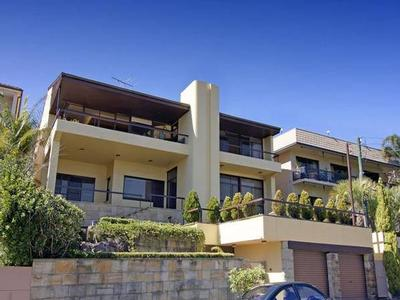 Exclusively addressed family estate offer Residential