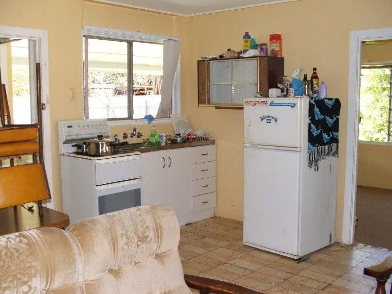DUPLEX- INVESTMENT OPPORTUNITY Picture 3