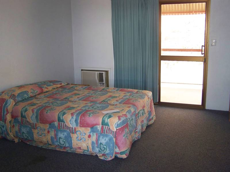 HEAVITREE GAP FURNISHED APARTMENT Picture 2