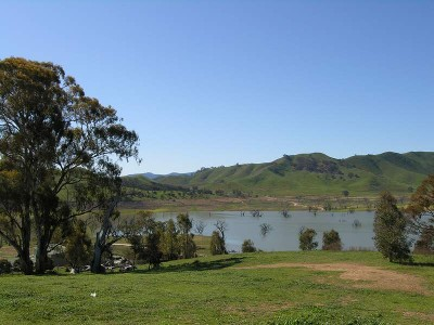 """HOMEPOINT WATERS"" ON LAKE EILDON Ref: 646-649 Picture"
