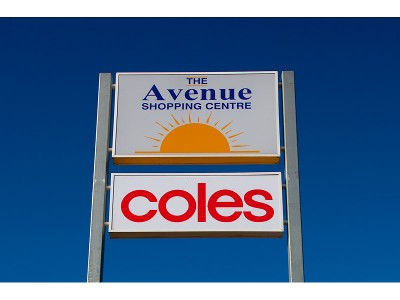 Capture the buyers from Ardeer Shopping Centre and COLES Supermarket Picture