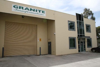 'Well priced office / warehouse with bonus showroom Picture